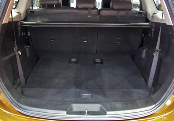 Nuevo Mahindra XUV500 2.2D W10 FWD