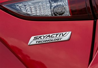 Nuevo Mazda 3 3 1.5 Lux. Safety+Cuero Blanco+Nav. Aut. 105