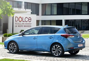 Nuevo Toyota Auris Hybrid 140H Active (Business Plus)