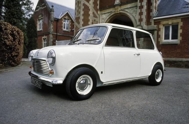 El Mini clásico, el coche pequeño más emblemático de Gran Bretaña