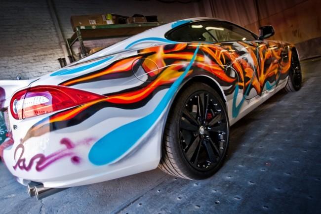XKR grafiti y lo que Jaguar entiende por conmemoración