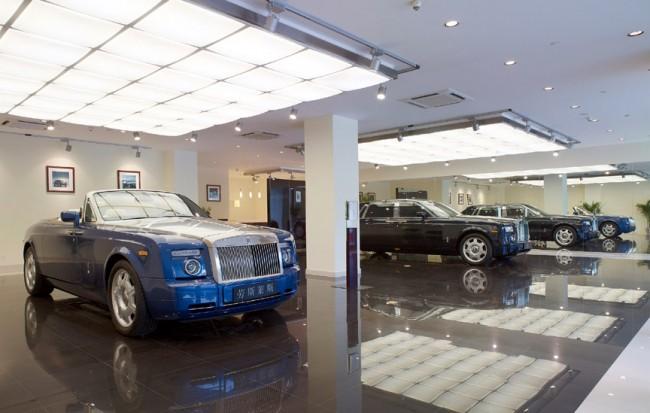 Rolls Royce inaugura nueva exposición en París