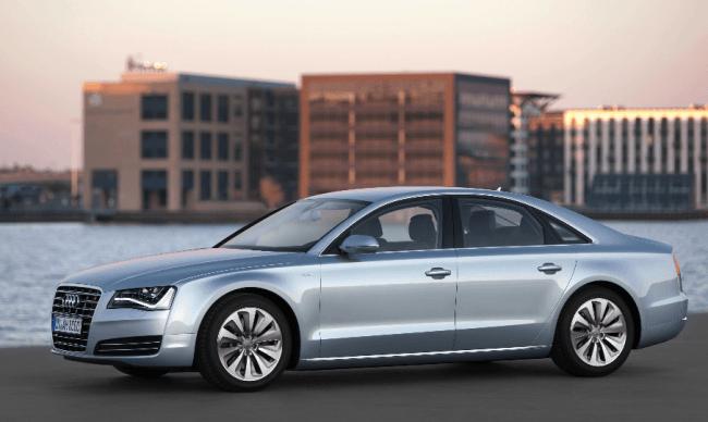 Entre dos mundos: Audi A8 Hybrid