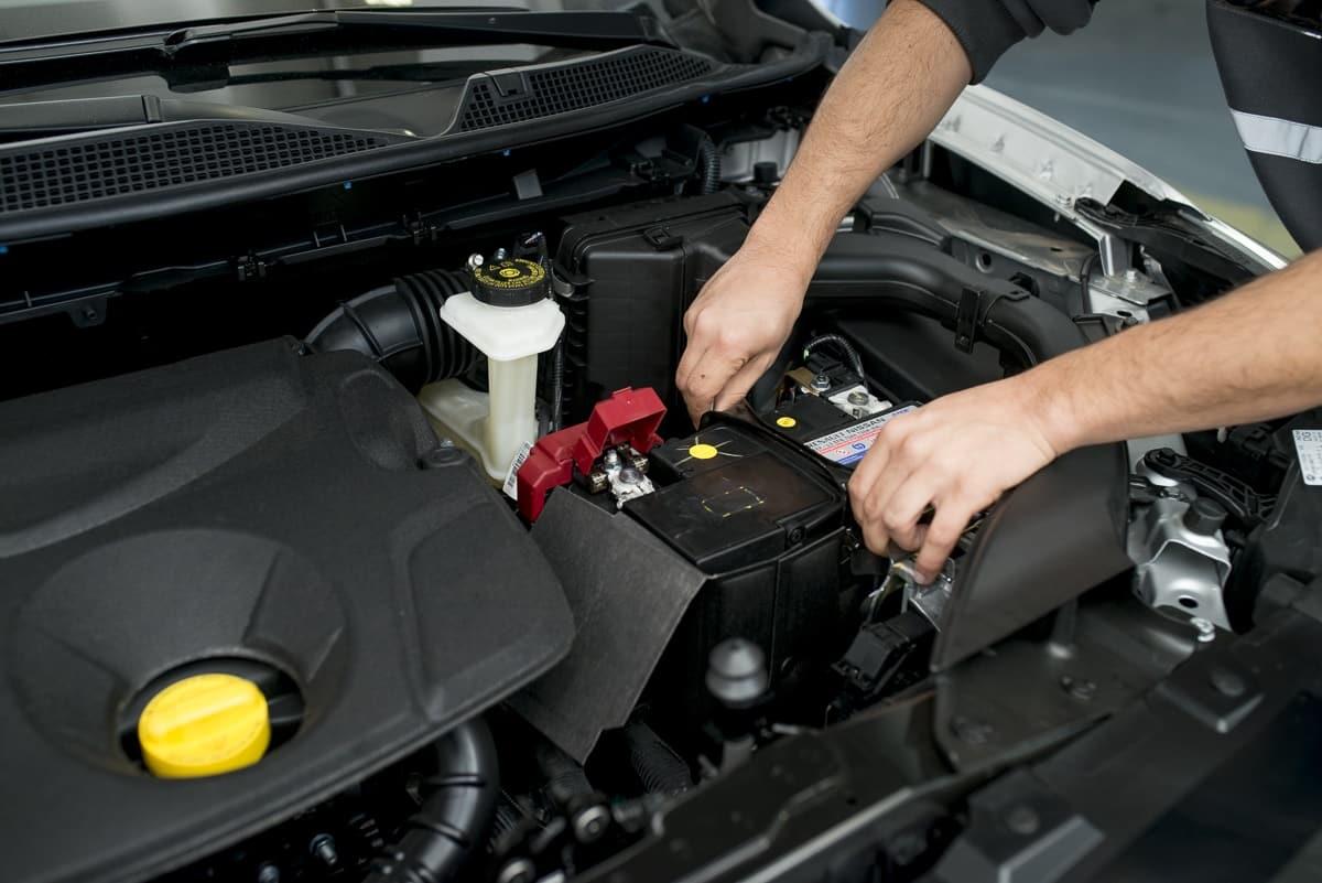 como evitar el sarro en las baterias de carro
