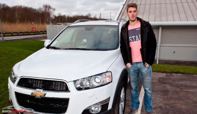 El Manchester United recibe las llaves de sus nuevos coches