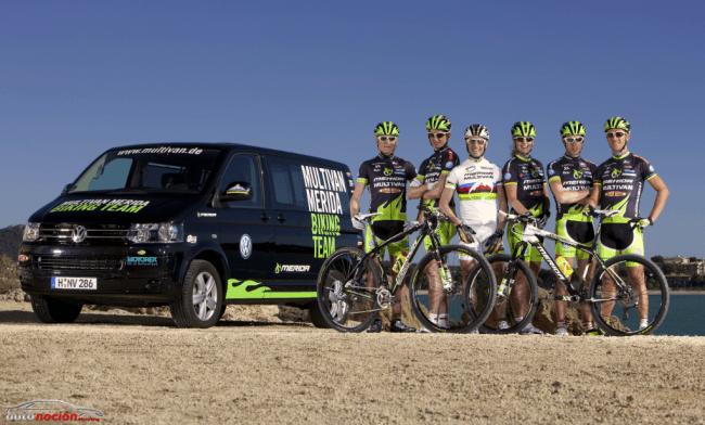 Volkswagen y la Multivan al lado del ciclismo de montaña