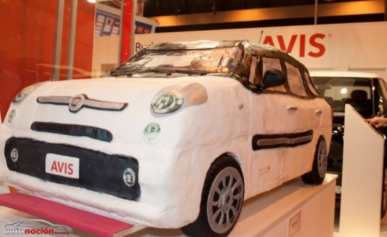 el fiat 500l entra en la flota prestige de avis. Black Bedroom Furniture Sets. Home Design Ideas