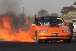 [Vídeo] Espectacular Burnout con final salvaje