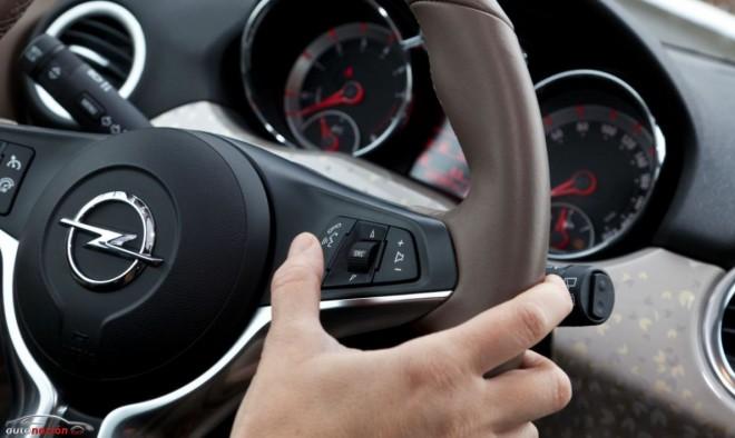 Opel y Apple presentan la evolución del manos libres: IntelliLink con Siri Eyes Free