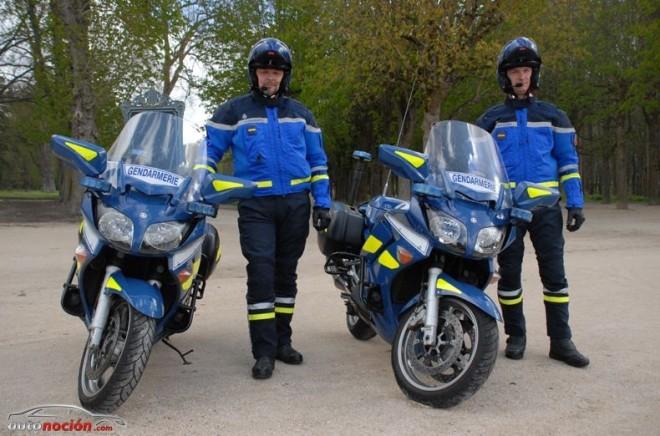 Policía francés cazado a 186 km/h en su motocicleta