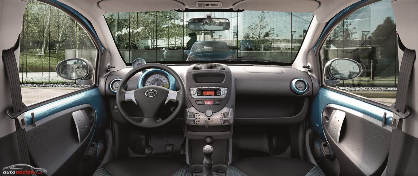 Interior Toyota AYGO Cool SODA
