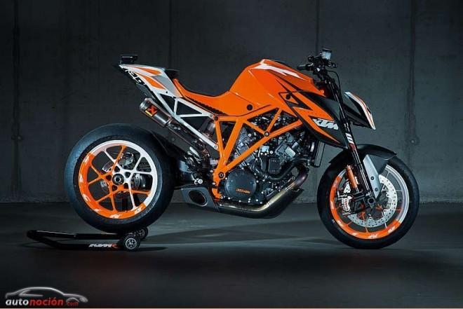 KTM 1290 SUPER DUKE R en el festival de Goodwood