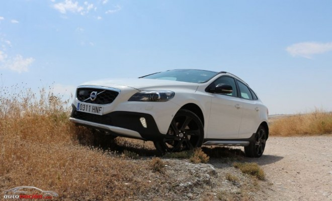 Prueba Volvo V40 Cross Country D4: Un correcaminos a la escandinava