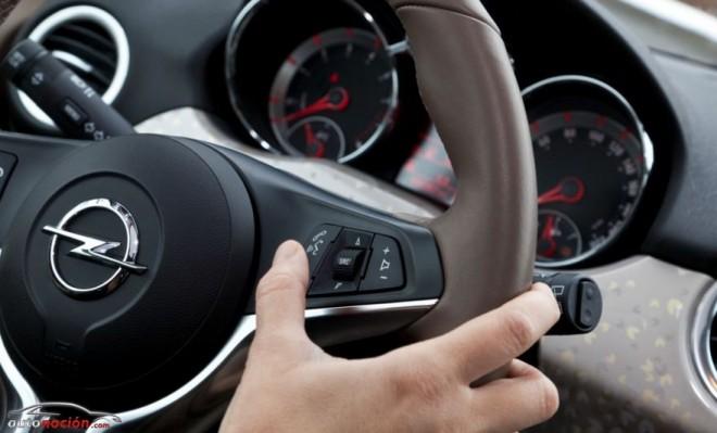 Un juez anula una multa por conducir utilizando el teléfono móvil