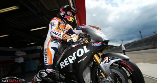 Casey Stoner prueba la Honda carreras cliente