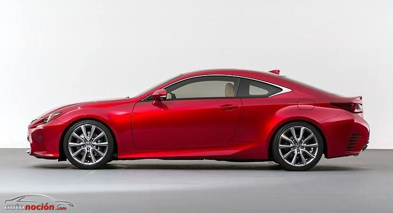 Lateral Lexus RC