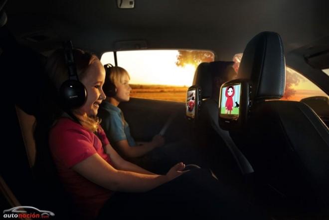 Ahora puedes entretener a los niños con el nuevo Sistema de Entretenimiento Trasero de Toyota