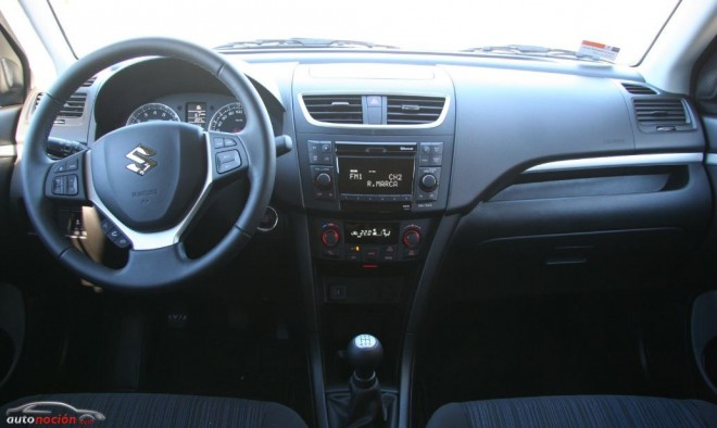 Foto Suzuki Swift 30 Interior Salpicadero