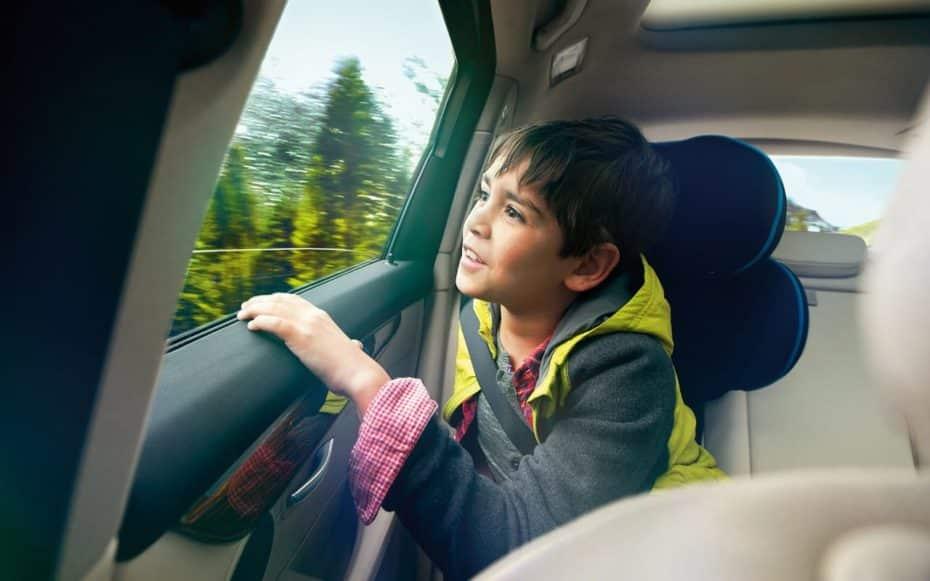 Sillitas de bebé: Todo sobre la normativa de los Sistemas de Retención Infantil para el coche