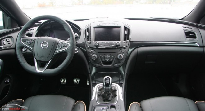 Opel Insignia Country Tourer Interior