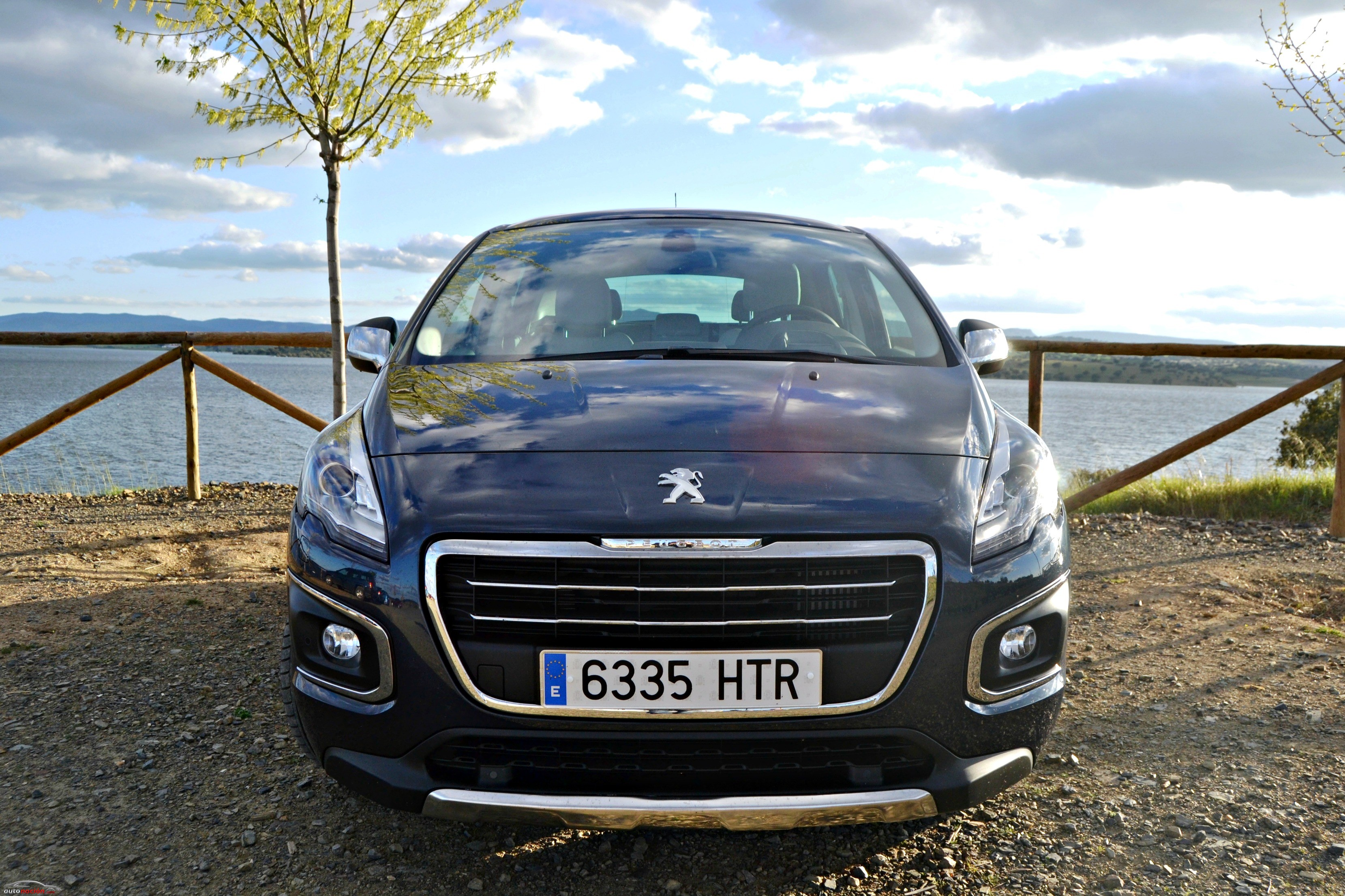 Peugeot3008Allure-Frontal