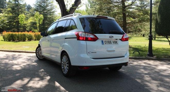 Ford Grand C-Max Exterior 08