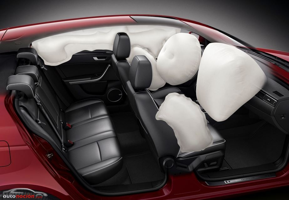 Qoros 3 Hatch airbag