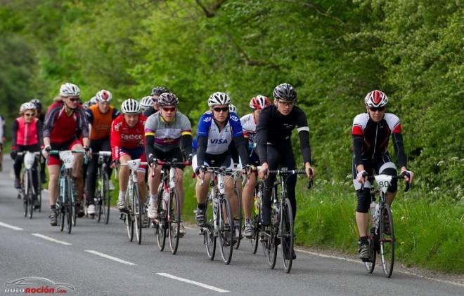 ¿Son los ciclistas un peligro en la carretera?
