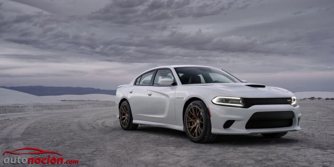 SRT Dodge blanco charger