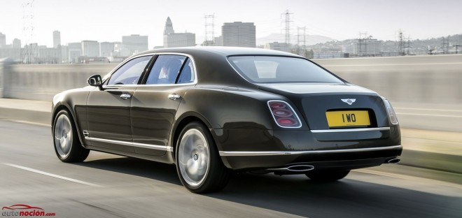 Bentley Mulsanne Speed trasera