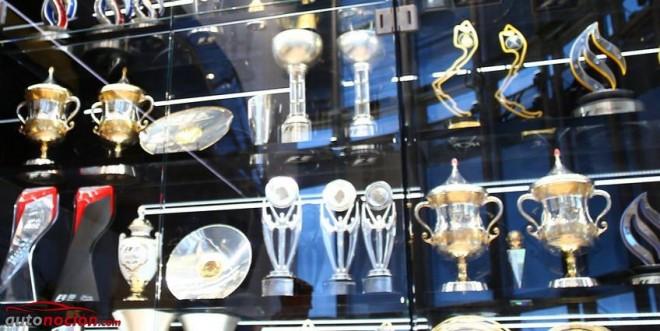 Algunos de los trofeos robados a Red Bull hallados en un lago