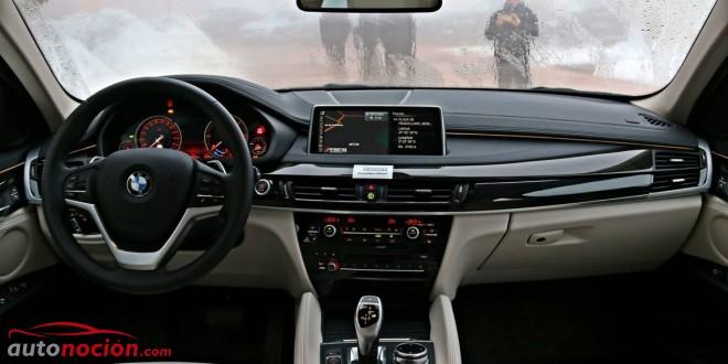 El interior del BMW X6 está mucho más trabajado, con multitud de detalles que lo