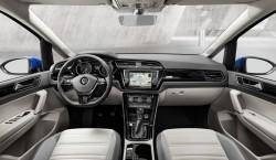 Volkswagen Touran 2016 06