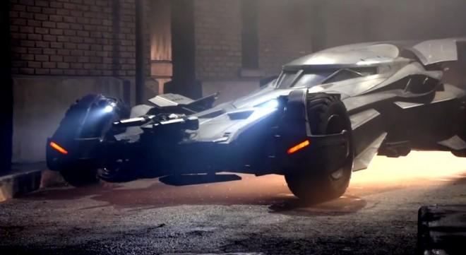 Batman v Superman estrenará nuevo batmóvil: Menos tanque pero nada que ver con el de 1966
