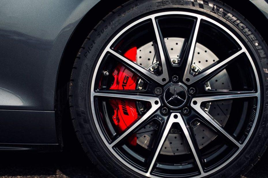 Cómo conseguir que brillen tus neumáticos: Presume de gomas