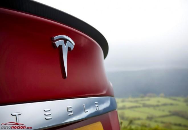 """Hackean la web y el Twitter de Tesla y ofrecen """"coches gratis"""": La seguridad de la marca puesta en tela de juicio"""