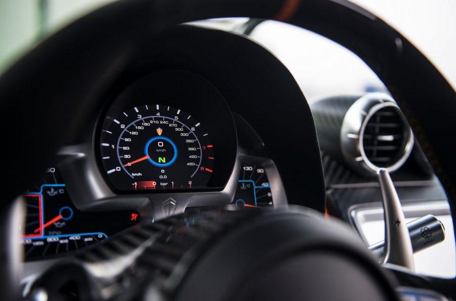 """El Koenigsegg One:1 fulmina el récord de vuelta a Suzuka """"sin querer""""…"""