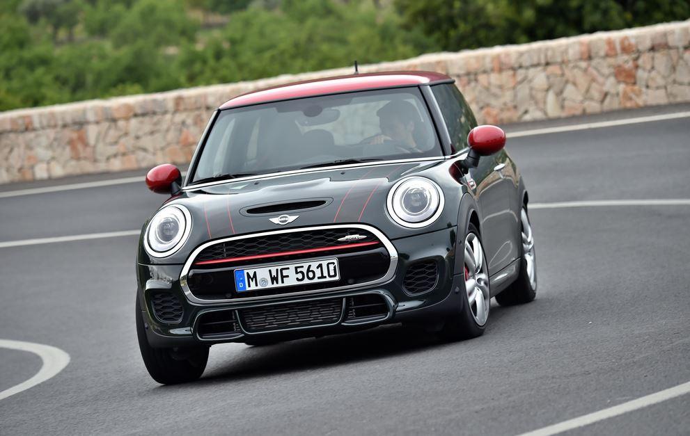 MINI John Cooper Works: 231 cv y 320 Nm de par desde 31.750 euros
