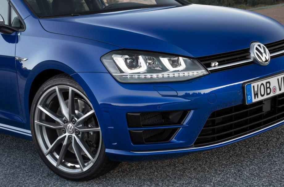 La Escuela R de Volkswagen ya tiene precios para sus cursos de conducción: Darlo todo en Ascari desde 150 euros…