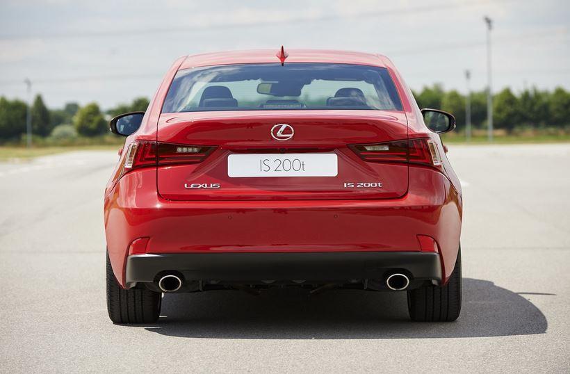 Lexus IS 200t: La vuelta al turbo, ahora con 245 CV y 350 Nm de par