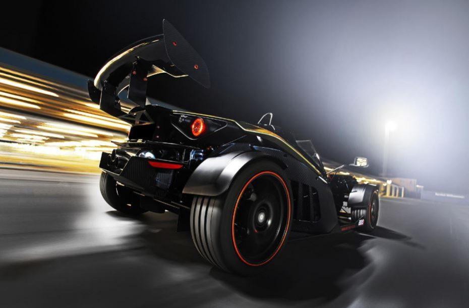 Alguien quería más y entonces Wimmer creó el KTM X-BOW GT Dubai Gold Edition