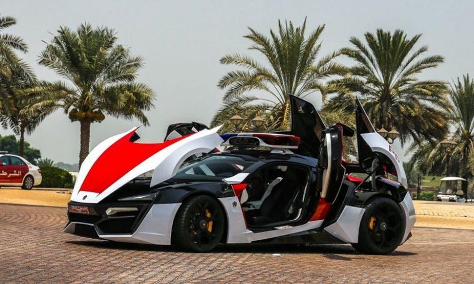 Y ahora llega la galería del Lykan HyperSport de la policía de Abu Dabi: ¡Parece un Transformers!