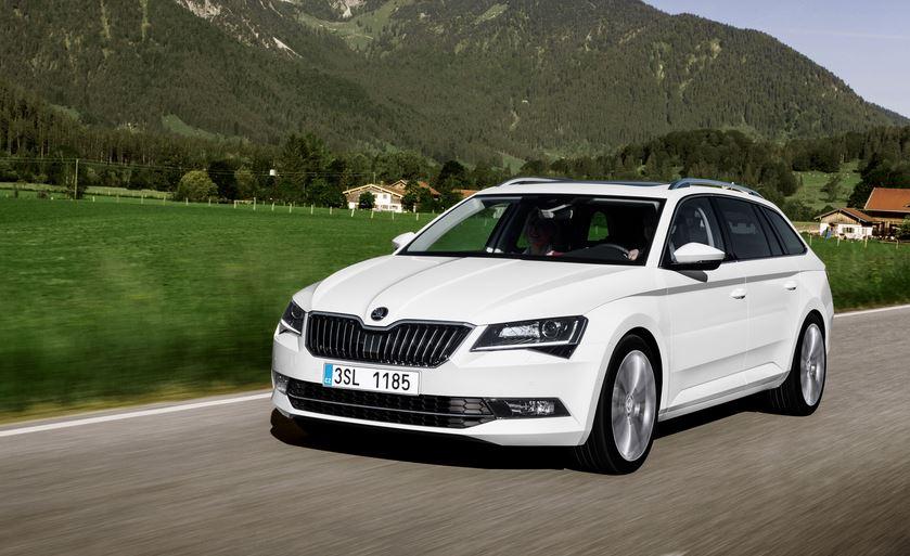 Más imágenes del Škoda Superb Combi: Hasta 1.950 litros de capacidad cuando abatimos los asientos