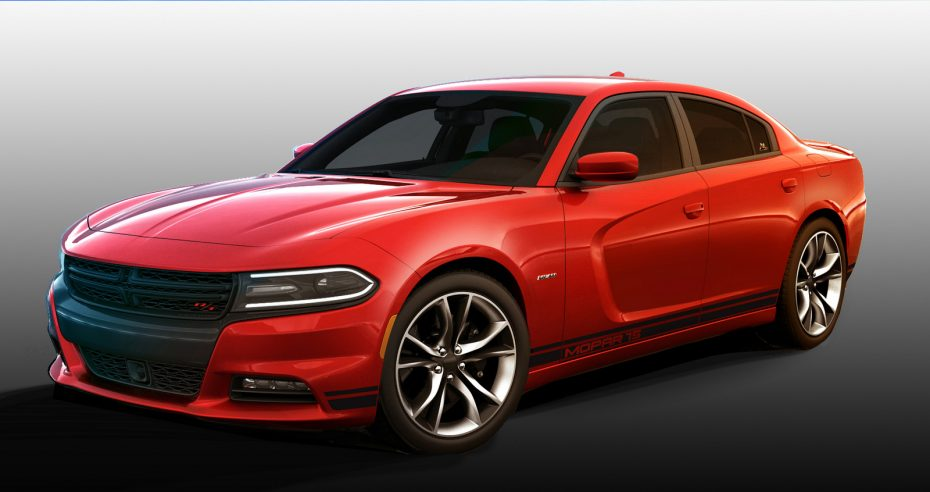 El Dodge Charger recibe un paquete deportivo con sello Mopar: 388 CV y una estética más agresiva