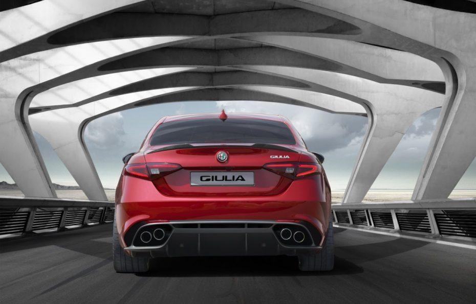Nuevos detalles del Alfa Romeo Giulia: Hasta 321 km/h de punta para el QV más salvaje