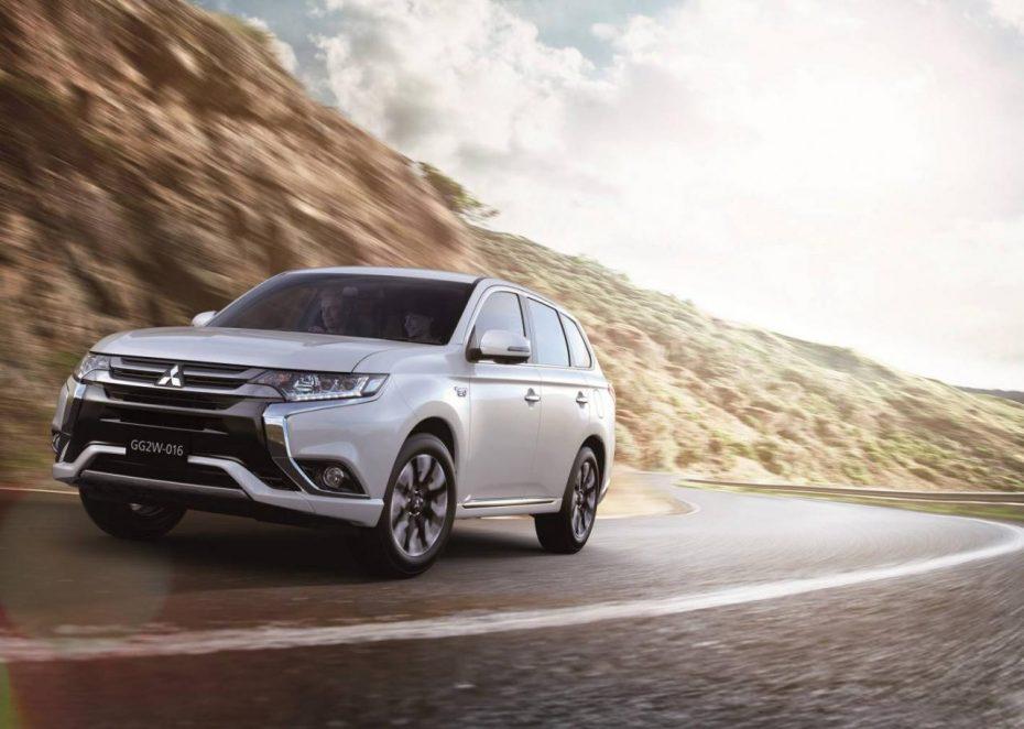 Primeras imágenes del renovado Mitsubishi Outlander PHEV: Más autonomía y estilo para el híbrido