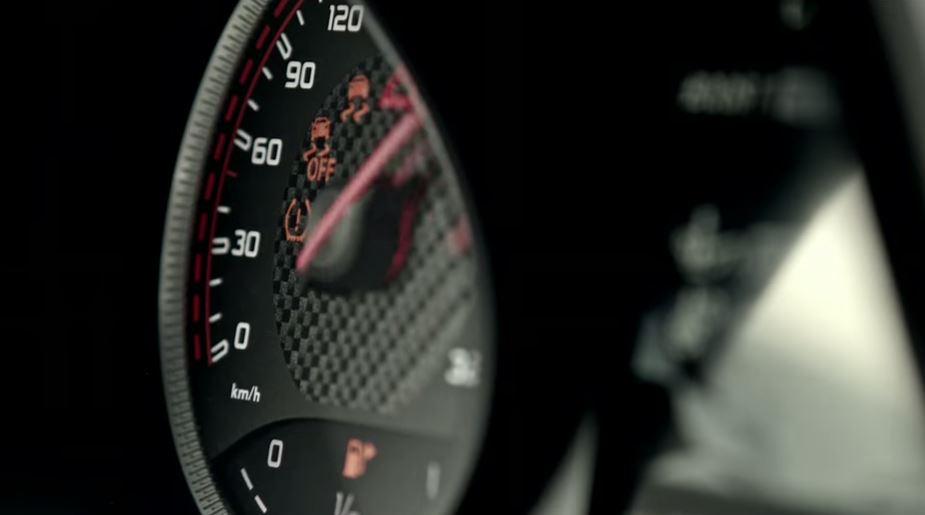 Mercedes-AMG C63 Coupé: Un nuevo teaser y detalles preliminares antes de conocer a la bestia