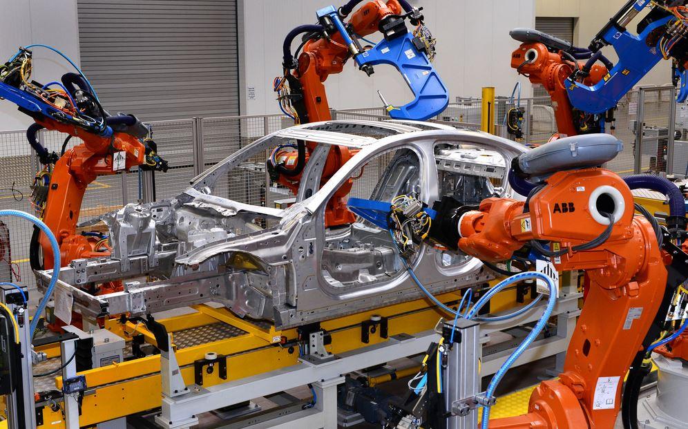 Jaguar Land Rover encarga a Magna Steyr la fabricación de unidades adicionales: Exceso de demanda
