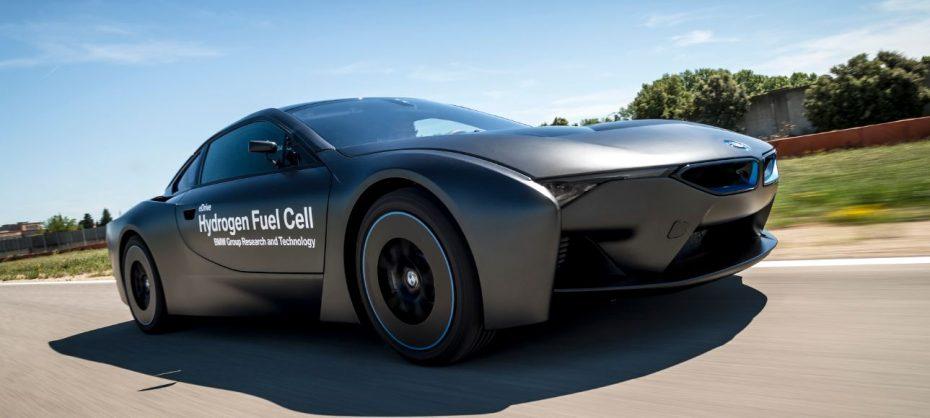 ¿Cómo dirías que suena el futuro? El BMW i8 Hydrogen Fuel Cell nos lo muestra en este vídeo