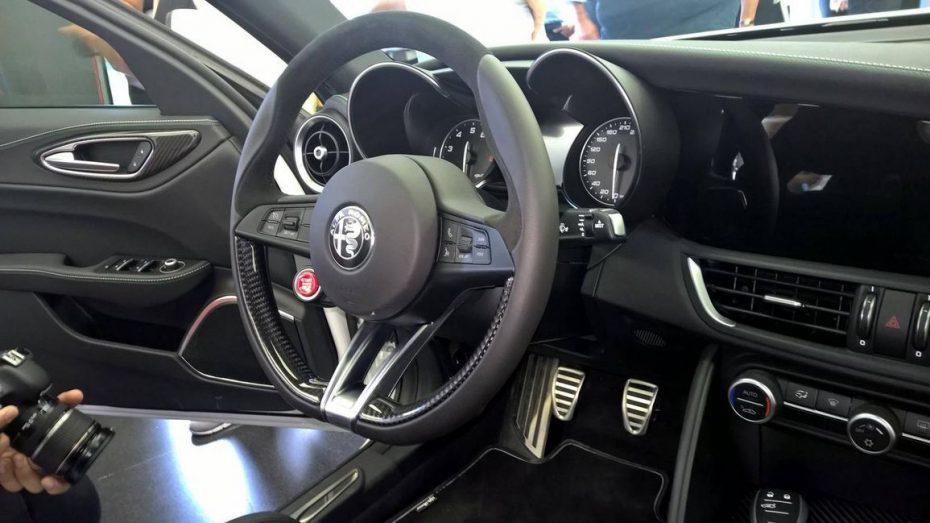 El interior del Giulia QV como nunca antes lo habías visto…